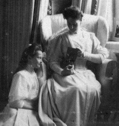 Tsarina Alexandra and Grand Duchess Tatiana Romanov