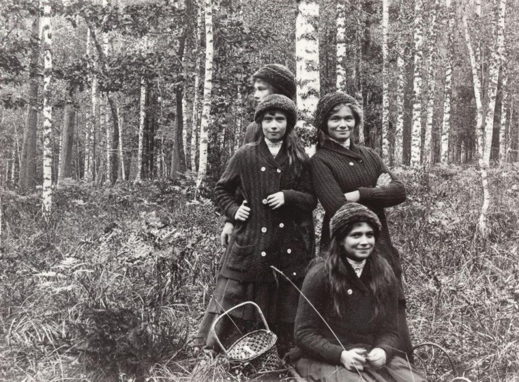 Grand Duchesses Olga, Tatiana, Maria and Anastasia Romanov - in Finland.