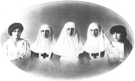 L-R: Grand Duchess Maria, Grand Duchess Olga, Tsarina Alexandra, Grand Duchess Tatiana and Grand Duchess Anastasia Romanov