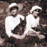 TATIANA ROMANOV: HER LITTLE FRENCH BULLDOG, ORTIPO
