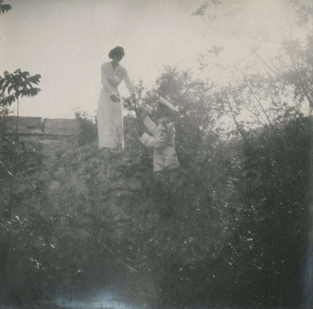 Grand Duchess Tatiana Romanov in Oreanda in 1914. Photo credit: ГА РФ, ф. 640 оп. 3 д. 25 л. 47 фото 694