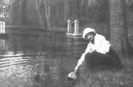 Grand Duchess Tatiana posing at the canal.
