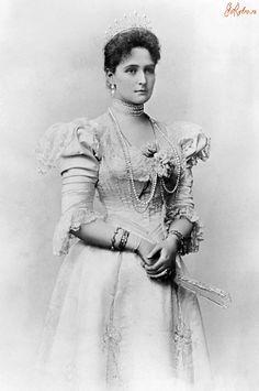 Tsarina Alexandra in 1898
