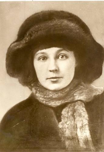 Russian poet Marina Tzvetayeva in 1917