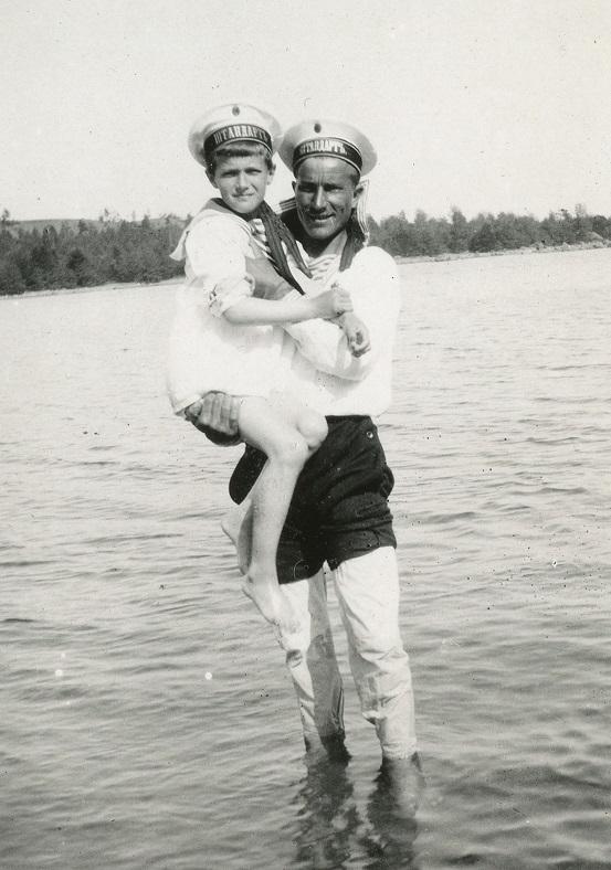 Sailor Klementy Nagorny with Tsarevich Aelxei