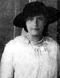 Anastasia Romanov circa 1915.